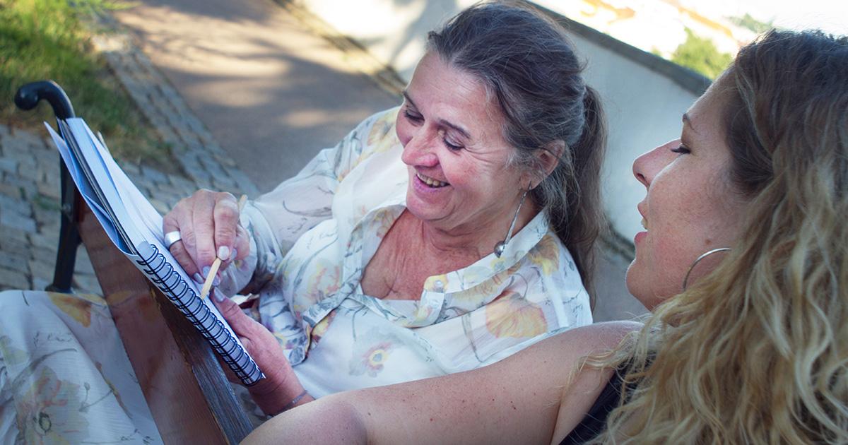 Kreslení v Grébovce se sklenkou vína